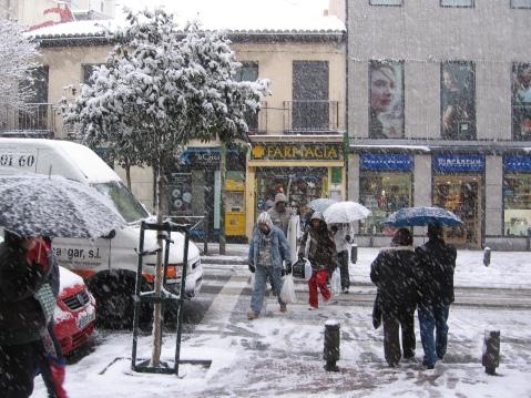 En el inicio de la calle, el dia que llegó la nieve