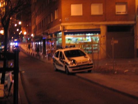 evidencia desenfocada de control estético policial