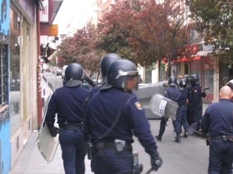 Los antidisturbios buscando el orden