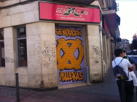 Exterior de la tienda Generación X, un establecimiento dedicado al comic que ha abierto en la avenida de Monte Igueldo, en Vallecas