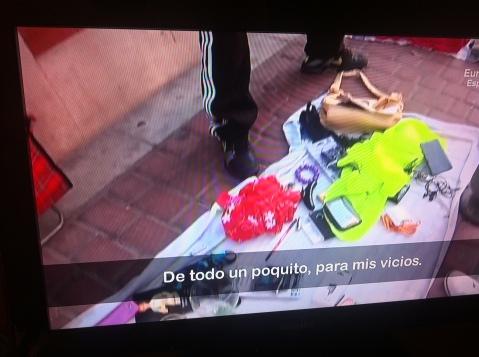 """Imagen tomada de la televisión de un reportaje del programa """"Callejeros"""" en la cadena Cuatro"""
