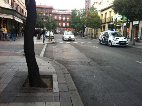 La policía vigila el inicio de la avenida de Monte Igueldo para evitar que se monte un mercado callejero