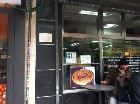 Fachada del bar Bella Luz donde se creó la San Silvestre vallecana