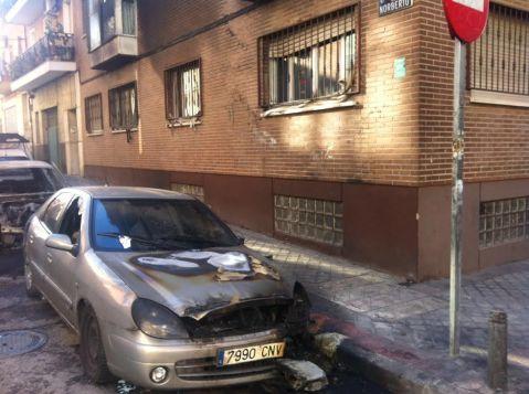 tercer coche afectado por las llamas